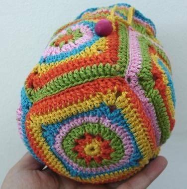 Crochet Bag Bamboo Handles Pattern : CROCHET ROUND POUCH PATTERN Crochet Patterns Only